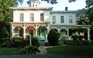 Photo of Quintessentials Bed & Breakfast and Spa